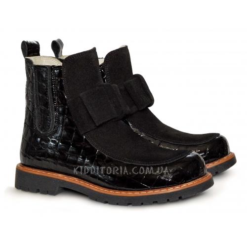 Ботинки черного цвета с бантом из замшевой кожи
