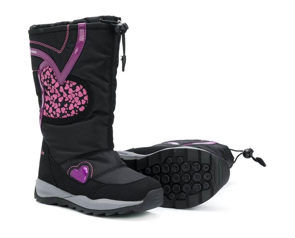 e179b014e Детская зимняя обувь – это теплые, водоотталкивающие, с высоким или низким  голенищем дутики, сапоги, термоботинки, мембранная обувь, угги.